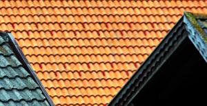Izolacija strehe je primerna za različne tipe kritine
