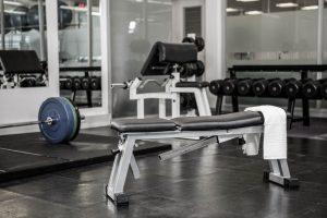 nastavljiva vadbena klop nam omogoča napredno vadbo